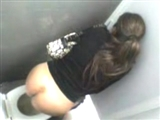 Hidden Camera Caught Girl Peeing at the Toilet