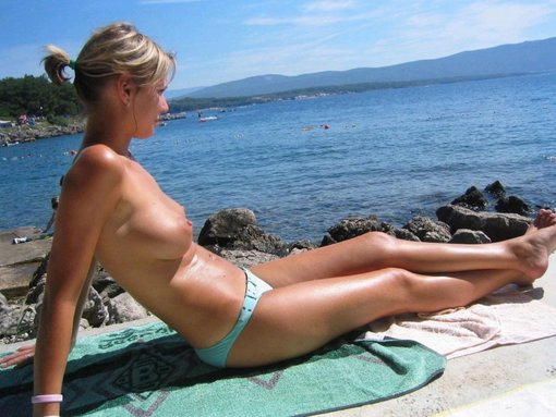 Cute Hot Blonde Girlfriend Topless Sunbath Photo