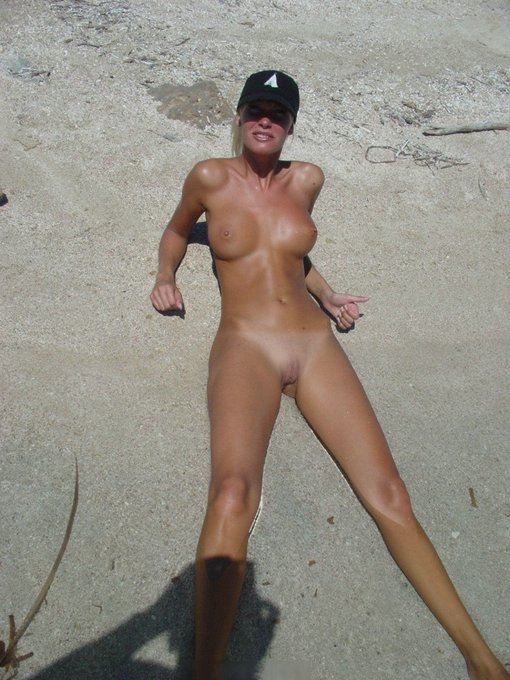 Hot British Nudist Photos