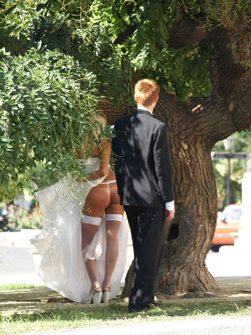 Sexy Bride Surprised on Voyeur Photo Wearing Tight Bikini