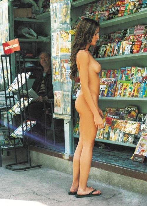Candid Girls Photos Caught Without Panties In Public
