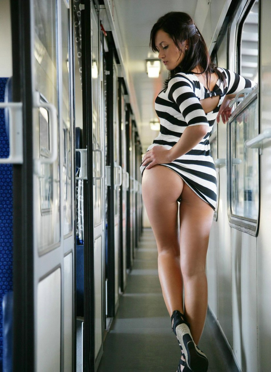Intermitente coño en el Tren Fotos Hot Nude Voyeur
