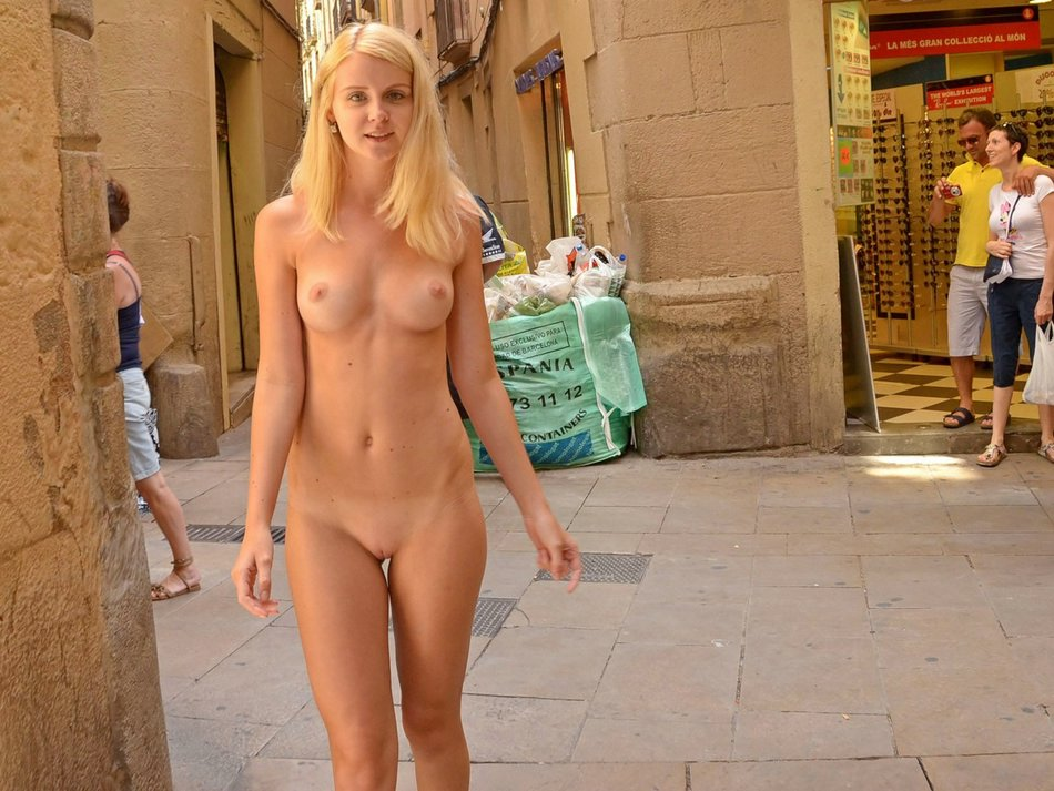 Nude Flashing Pictures Hot Blonde Girl Shows Naked in Public