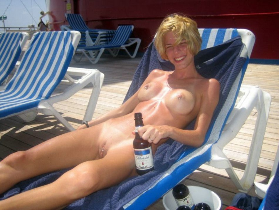 Amateur Wife Nude Beach Photo