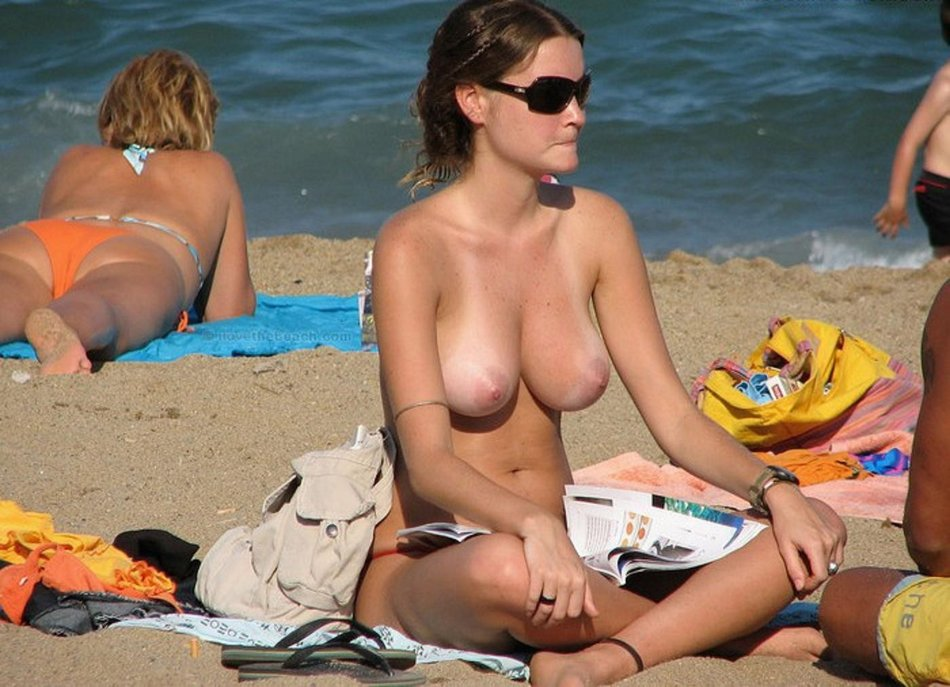 Beach Voyeur Photo Topless Naked Woman on Camera