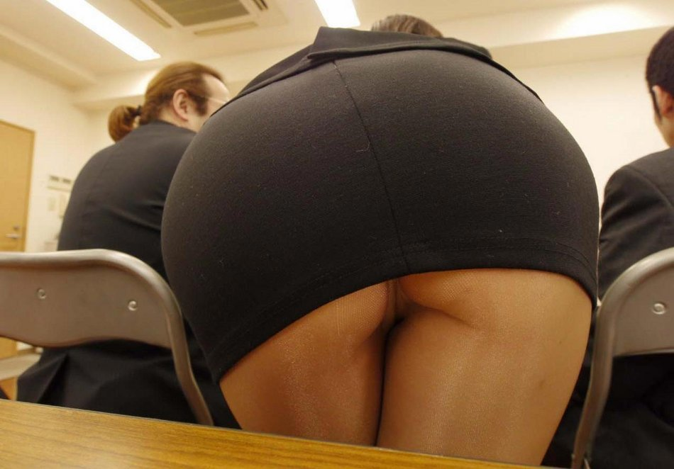 Sexy Co Worker Candid Ass Photo at the Office
