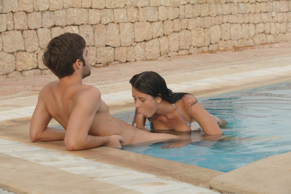 video couple having sex by the pool