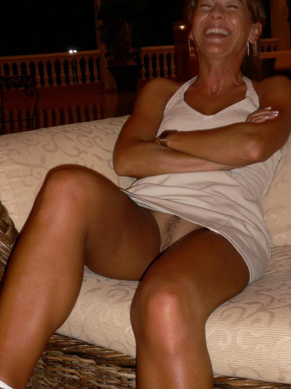 Sexy Mature Woman Caught Without Panties
