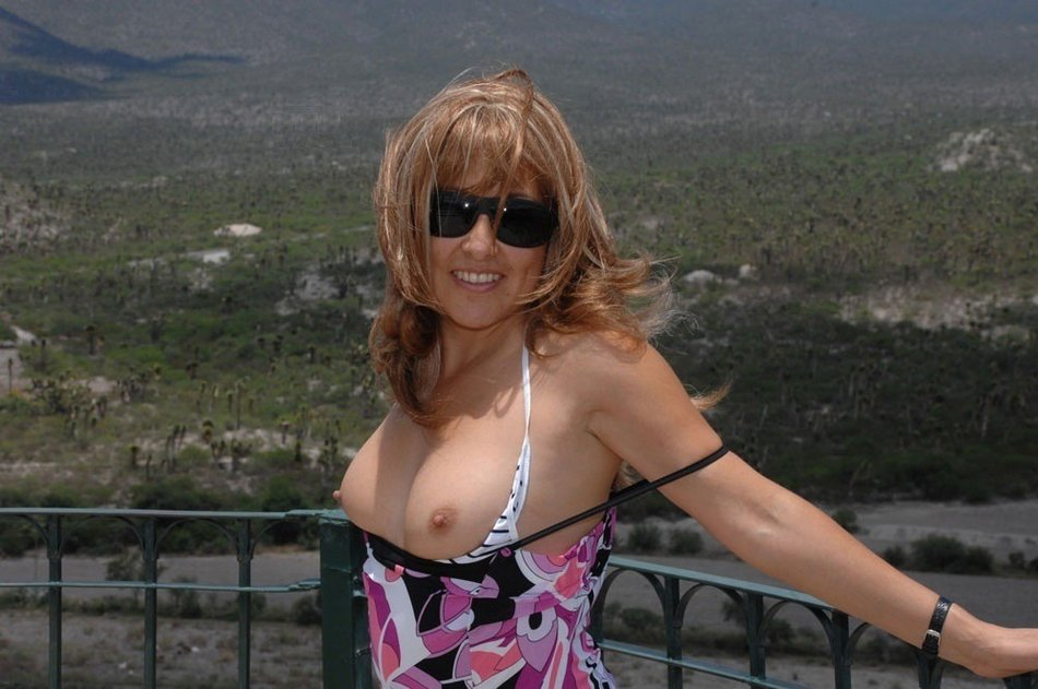 Wife in Vacation Flashes Topless Her Nice Tits
