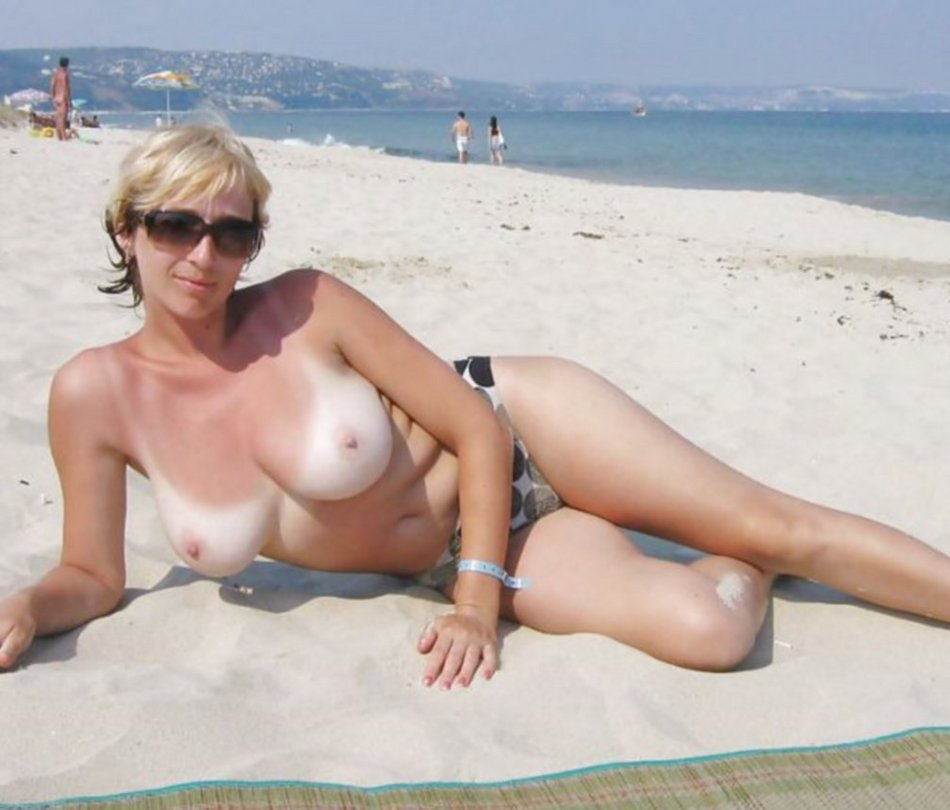 Topless Naked Wife at the Beach