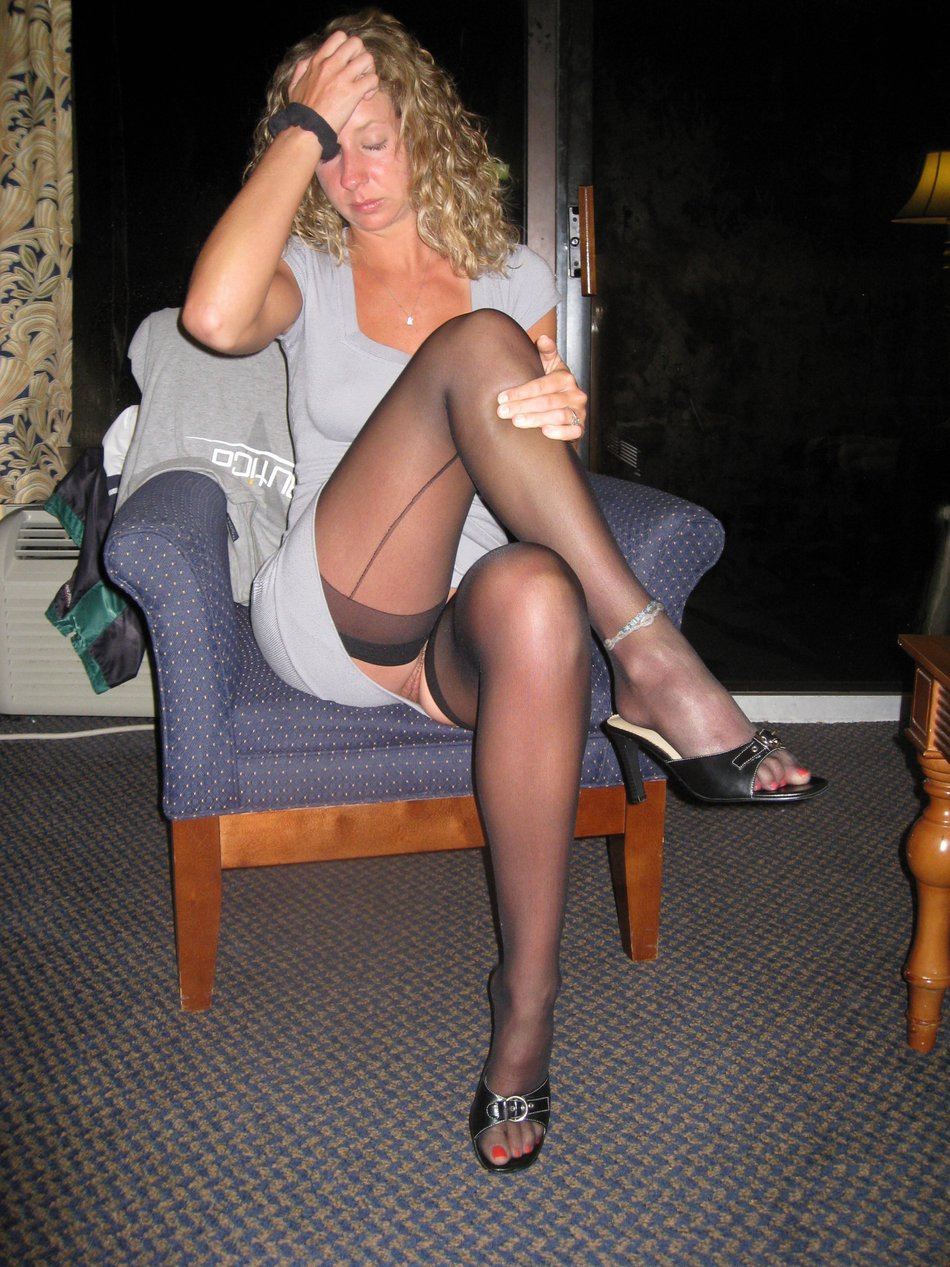 Hot wife upskirt no panties picture