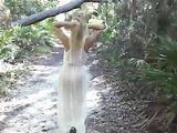 Topless Beach Vrouw met Natural Big Boos Candid Voyeur Video