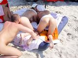 Threesome on the Beach Pictures Guy with Two Pussies