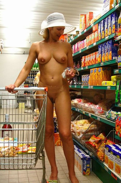 Nude in grocery store