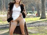 Free Pics Real Wife Flashing Beaver