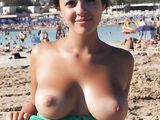 Naked Beach Photo of Amateur Girlfriend Showing Her Boobs