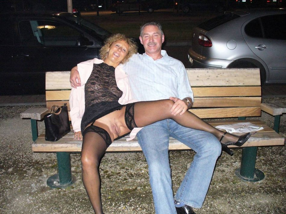 wives public in flashing Mature pussy